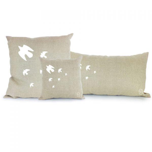 l'envol 3 coussin lin peint à la main made in france