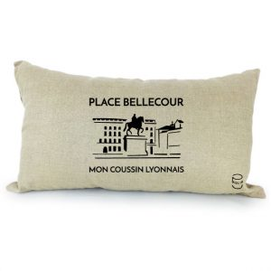 Coussin en lin naturel peints à la main Paulin Lyon Place Bellecour